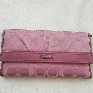 Coach Signature C pink Pleated Wallet W/Checkboo